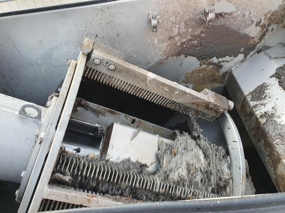 In Toiletten entsorgte Feuchttücher verstopfen Pumpen in der Kanalisation